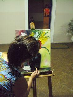 Leila ENGELS (née en 1969) peintre. Ici au Brésil.  (Photo: Thierry de Bruma)