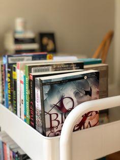 Bookworm Organization Essentials: A book cart is revolutionary! Bookshelf Organization, Organization Skills, Library Cart, Library Books, Got Books, I Love Books, Teacher Cart, Little Free Libraries, Personal Library