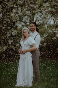 Planning an ethereal summertime wedding? Look no farther than this Midsommar wedding inspiration. Flower crowns, gorgeous wildflower tablescapes, and open field in the English countryside has us swooning! Flower Crown Wedding, Flower Crowns, Groom Attire, Groom And Groomsmen, Wedding Looks, Perfect Wedding, Modern Groom, Ethereal Wedding, Princess Ball Gowns