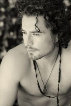Kevin Ryan, Irish actor on #Copper --he looks a lot like #JohnnyDepp in this pic, maybe even a little #ColinFarrell