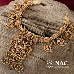The Brand With The Best Temple Jewellery Collections - Diego Antique Jewellery Designs, Gold Jewellery Design, Antique Jewelry, Handmade Jewellery, Antique Gold, Gold Temple Jewellery, Gold Jewelry, Long Pearl Necklaces, Jewellery Sketches