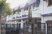 Hotel de Zwaan Schoondijke  Description: Hou je van gezelligheid gastvrijheid en culinaire verwenning? Dan hou je van dit gezellige familehotel met een sfeervol restaurant en een lounge met een gezellige bar. Gelegen in de omgeving van het heerlijke Zeeuwse strand (5 kilometer) en de gezellige plaatsen Sluis Knokke en Brugge. Ontspannen winkelen rust fietsen en wandelen. Kortom.. redenen genoeg om een bezoek te brengen aan hotel De Zwaan.Overige informatie- Het hotel beschikt niet over een…