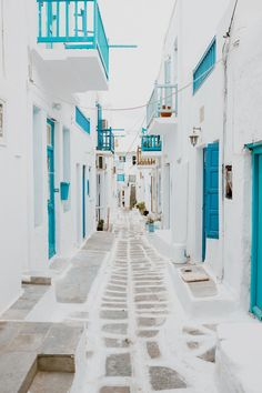 Greece Discover Imagine having a personal photographer in stunning Santorini Create your best travel memories with a personalized photo shoot with a professional photographer. Ideal for couples friends family and solo travelers. Greece Itinerary, Greece Travel, Greece Honeymoon, Greece Tourism, The Places Youll Go, Places To Go, Crete Greece, Santorini Greece, Athens Greece