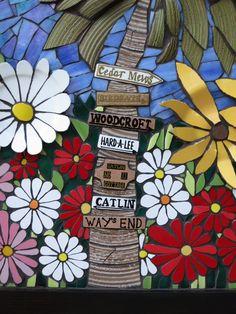 Nikki Murray-Mason, a mosaic artist, specialising in flower mosaics, based in Bermuda. Mosaic Garden Art, Mosaic Wall Art, Mosaic Glass, Fused Glass, Stained Glass, Mosaic Flowers, Ceramic Flowers, Mosaic Ideas, Mosaic Projects