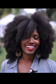 Courtesy of Facebook's ToBNatural.  This is some beautiful hair!