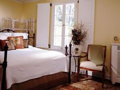 GUEST ROOM RELIES ON NATURAL ELEMENTS FOR COMFORT