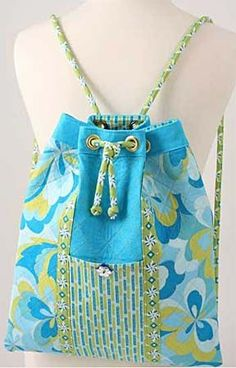 drawstring bag pattern - this looks nice and neat for Kiara to use during the day at school.