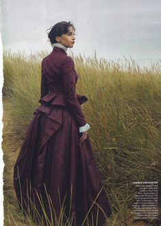 The Look: Wuthering Heights - Felicity Jones by Annie Leibovitz for Vogue US January Annie Leibovitz, Felicity Jones, Victorian Fashion, Vintage Fashion, Modern Victorian, Victorian Women, Little Dorrit, Invisible Woman, Vogue Us