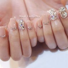 Once you've ticked off the wedding dress and venue, narrowed down the guest list and picked your perfect undo, the only thing left to do is find your suitable wedding nails. If you're subtle… Korean Nail Art, Korean Nails, Korean Art, Pink Nails, My Nails, Jewel Nails, Grow Nails, Cute Nails, Pretty Nails