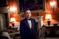 Aidan McArdle as Lord Loxley