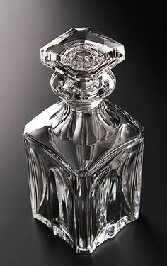 Anyone want to get me this gorgeous Baccarat decanter? Baccarat Crystal, Crystal Glassware, Waterford Crystal, Liquor Bottles, Perfume Bottles, Cut Glass, Glass Art, Vase Cristal, Crystal Champagne