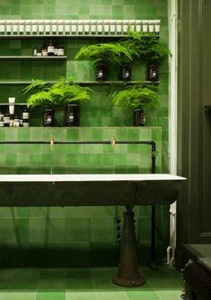Bathroom in the Aesop store Berlin by Weiss-heiten.