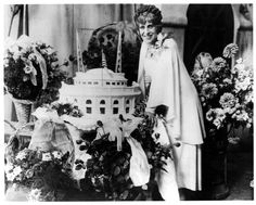 On October 9, 2015, we celebrated our founder, Sister Aimee Semple McPherson's, 125th birthday! Also, for the first time, Aimee's sermons are available in print at 4sq.ca/aimeebooks15.