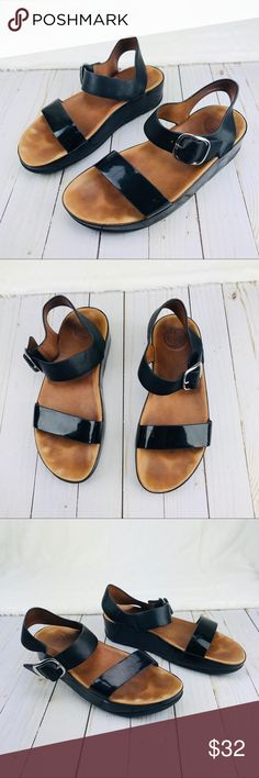 b75f5d765f5ac1 FitFlop Sandals Sz 9 Very good condition Sz 9 Fitflop Shoes Sandals