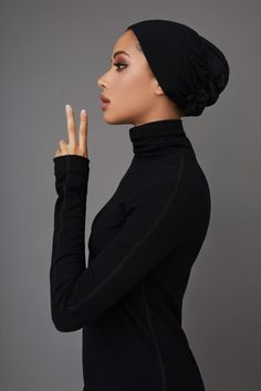 Our Classic Underscarf reimagines this everyday essential with the best that technology has to offer. Hair Wrap Scarf, Hair Scarf Styles, Hair Scarfs, Hijab Styles, Ethnic Hairstyles, Scarf Hairstyles, Mode Turban, Hijab Turban Style, Hair Turban