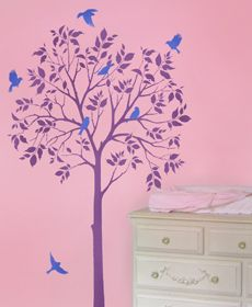 I would love to do this in my daughter's room. So pretty.