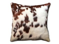 This hand made pillow is an excellent option for your couch, bed or favorite chair. It gives the room that classy and cozy feeling that only a handcrafted good does. Made one side out of 100% real cowhide by a Colombian artisan, and each item is one of a kind, always, that is why you will never find two of these alike. I am waiting for you to try it because it is made with so much love that it will become your favorite decoration piece.  Let me know if you have any doubt and I am more than…