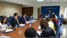 Panamá y Barbados se reúnen para fortalecer política exterior http://www.inmigrantesenpanama.com/2015/06/04/panama-y-barbados-se-reunen-para-fortalecer-politica-exterior/