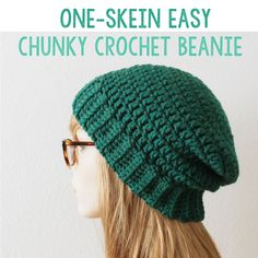 {FREE} Perfect, easy chunky crochet beanie pattern using just ONE skein of Lion Brand Woolspun.