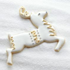 Dasher: Gold & Silver Gilding...plus other decorating ideas for frosting