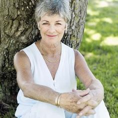 photos+of+gray+hair+women | Hair coloring ideas for gray hair can be used for effective gray hair ...