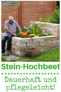 Stone raised bed Stein-Hochbeet As a durable, easy-care solution, concrete blocks for raised beds have proven themselves. The raised bed is rounded off by stones on a hillside with a paved border.