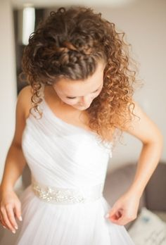 Beautiful curly bridal hair!