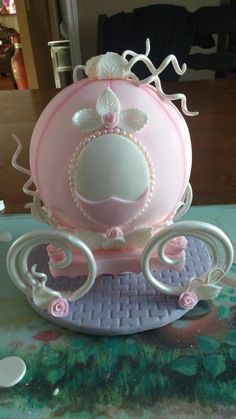 Cinderella carriage - Cake by Simplysweetcakes1