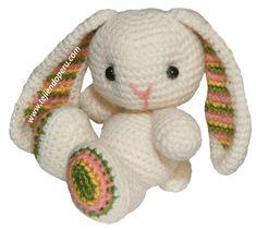 Tutorial: Häkeln gestricktes Kaninchen (Amigurumi Hase / Ostern) Tutorial: Häkeln gestricktes Kaninchen (Amigurumi Hase / Ostern) Tutorial: conejo tejido a crochet (amigurumi bunny / easter) Source by dianablazer Easter Crochet, Cute Crochet, Crochet For Kids, Crochet Crafts, Crochet Projects, Crochet Ideas, Crochet Amigurumi Free Patterns, Crochet Dolls, Tutorial Amigurumi