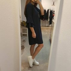 Second Female Martina Dress Navy A Beautiful Story Ketting  Via Vai Platform Sneakers   #SS18 at #Vollers386, #Oudegracht 386 in #Utrecht.  #secondfemale #viavai #abeautifulstory