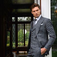 Mens Fashion Suits, Mens Suits, Man Fashion, Plaid Suit, Hot Guys, Hot Men, Dapper Gentleman, Professional Look, Smart Casual