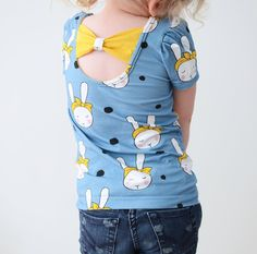 Make an Amelie top for your little girl! The sewing pattern includes sizes 56-146 (approx. 1 month - 11 years).