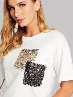 5 Camisetas Coloridas - 5 Camisetas Coloridas, camisetas personal Embroidery On Clothes, Shirt Embroidery, Embroidery Fashion, Fashion Details, Diy Fashion, Fashion Dresses, Fashion Design, Blouse Styles, Blouse Designs
