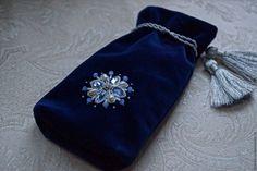 Купить Бархатные мешочки с ручной вышивкой ящерицы, розы и снежинки. - тёмно-синий, изумрудный