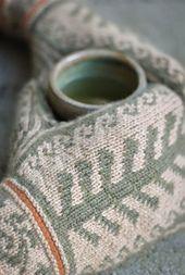 Ravelry: Firenze Mittens pattern by Elizabeth Elliott [knit mittens colorwork] Knitted Mittens Pattern, Knit Mittens, Knitted Gloves, Knitting Socks, Hand Knitting, Knitting Patterns, Crochet Patterns, Hat Patterns, Loom Knitting