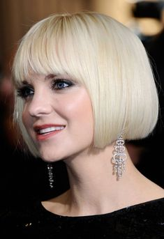 """""""That girl's got brass!"""" This colloquialism can be used to describe Anna Faris' bob to a tee, though her stunning bob is actually a daring platinum blond color. Anna's bangs and hair are cut bluntly, a technique that brings out the best in sleek, shiny hair like Anna's. Avoid the blunt cut if you have …"""