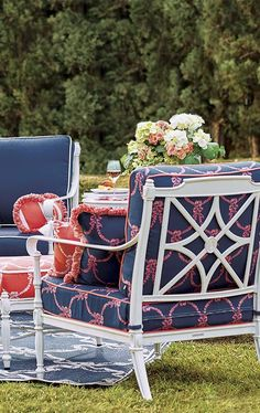 Like broad brushstrokes of ivory with glints of gold, our Giverny Collection was inspired by famed designer Carleton Varney, evoking the graceful French gardens that gave it its name.  | Frontgate: Live Beautifully Outdoors