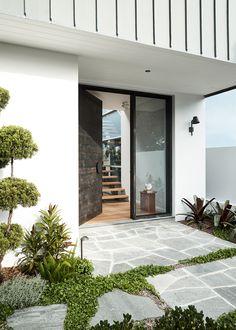 Ecooutdoor Endicott crazy paving for front entrance - Modern Front Door Landscaping, Backyard Landscaping, Landscaping Ideas, Outdoor Paving, Crazy Paving, Entry Stairs, Garden Design, House Design, Outdoor Spaces