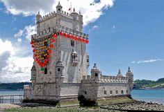 Torre de Belém com um colar de Ana Vasconcelos, Lisboa (imagem de A.C.)