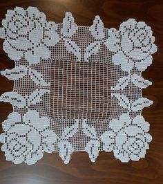 This Pin was discovered by Gök Crochet Doily Patterns, Baby Knitting Patterns, Crochet Motif, Crochet Doilies, Crochet Lace, Fillet Crochet, Diy And Crafts, Gallery, Crochet Edgings