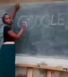 É Glogloo - Funny gif - Funny Videos Clean, Super Funny Videos, Funny Videos For Kids, Funny Video Memes, Funny Short Videos, Google Funny Video, Google Meme, Google Gif, Hilarious Memes