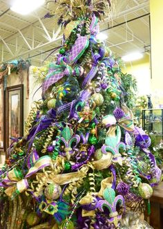 Mardi Gras Christmas Tree - yeah, Christmas and Halloween aren't the only things we decorate for.