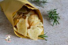 Chips di farina di riso Snack Recipes, Cooking Recipes, Healthy Recipes, Snacks, Chips, Food Humor, Funny Food, Simply Recipes, Antipasto