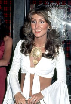 YIKES!  Elvis girlfriend Linda Thompson whose 70s fashion statements deserve a moment of worship.