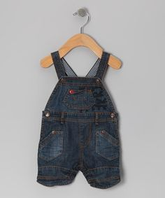 Details like a classic cut, stripe straps and fun plaid lining transform these shortalls from a staple to a star. Adjustable shoulder straps and front pockets make them just as practical as they are cool for every growing guy.
