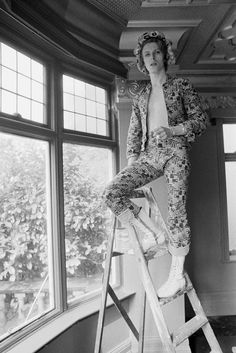 13 Times David Bowie Fought Fashion — & Won #refinery29  http://www.refinery29.com/2016/01/100937/best-outfits-david-bowie-fashion-legacy#slide-5  Bowie casually paints the coving of his home in Beckenham, South East London, April 25, 1972, wearing an allover patterned outfit only he could pull off....