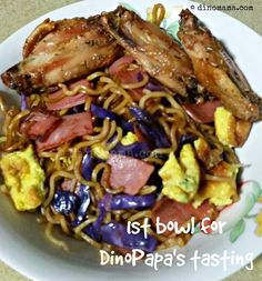 We are the DinoFamily 我們是恐龍家族: Bento Days - Chow Mien~ it means Fried Noodles lah! Chow Chow, Family Life, Bento, Noodles, Singapore, Dishes, Baking, Breakfast, Kitchen