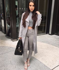 Id wear a longer shirt but I like this for a london trip outfit. Fall Outfits, Casual Outfits, Cute Outfits, Fashion Outfits, Womens Fashion, Carli Bybel Fashion, Fashion Killa, Daily Fashion, Everyday Fashion