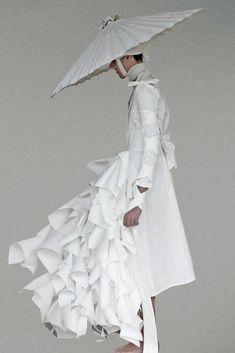 haute couture fashion Archives - Best Fashion Tips Fashion Art, High Fashion, Fashion Outfits, Womens Fashion, Fashion Design, Fashion Spring, Mode Cyberpunk, Illustration Mode, Future Fashion