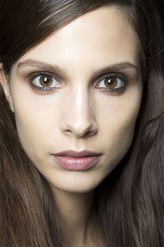 8 spring makeup trends to try now:
